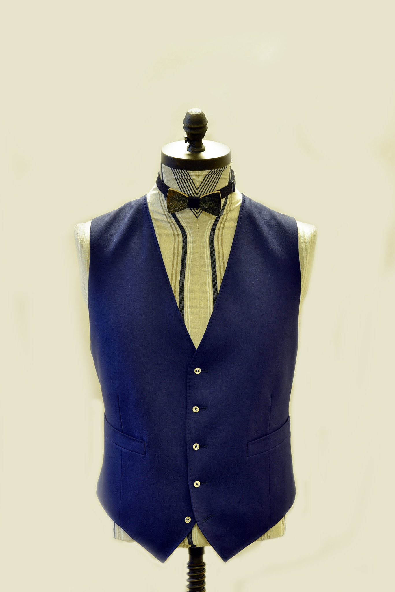 Aravinda  Rodenburg Bespoke tailoring gilet - Aravinda Rodenburg