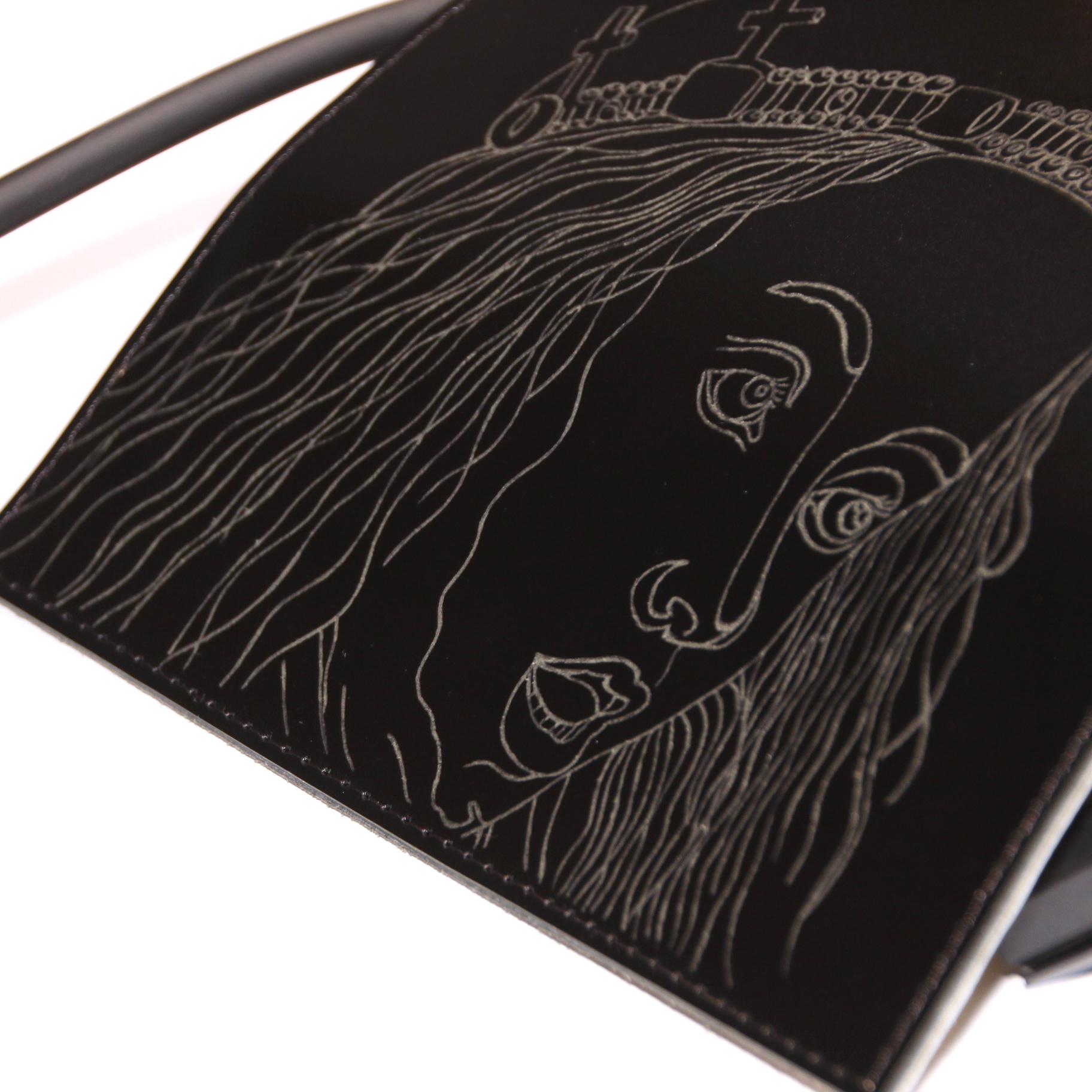 PAARL Unieke handgemaakte en gegraveerde handtas  afbeelding zingende engelen - PAARL