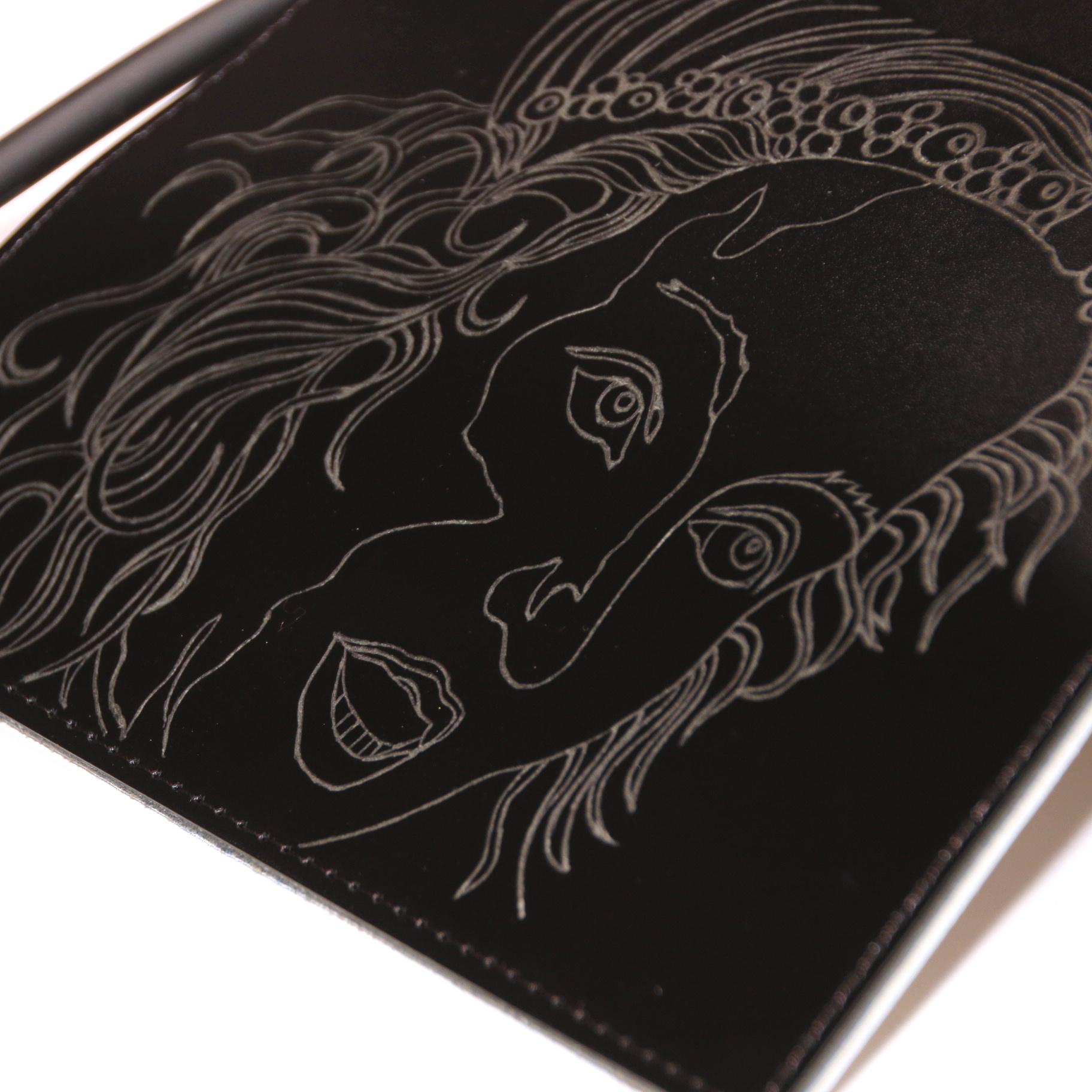 PAARL Unieke handgemaakte en gegraveerde handtas afbeelding zingende engelen- PAARL