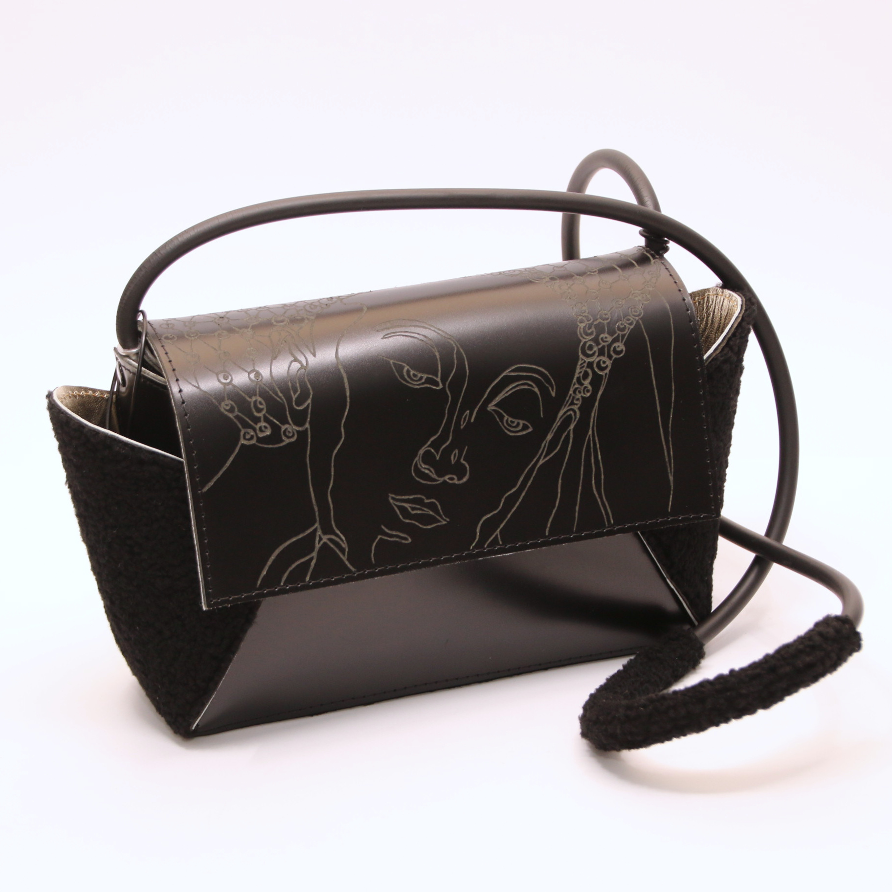 PAARL Unique handmade and engraved handbag print Sybille van Cumaé - PAARL