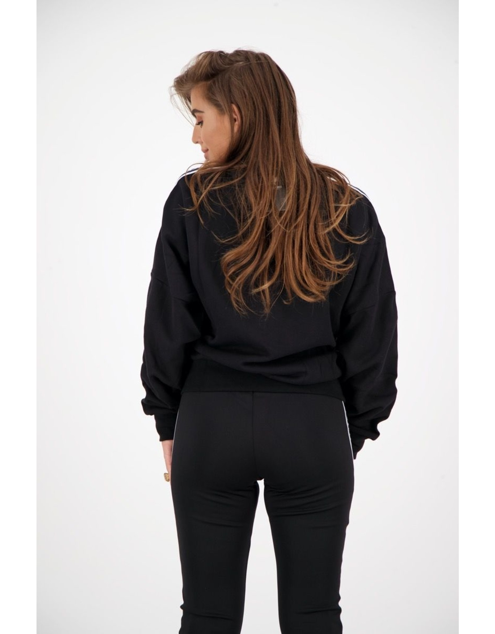 TRACKING SWEATER True Black