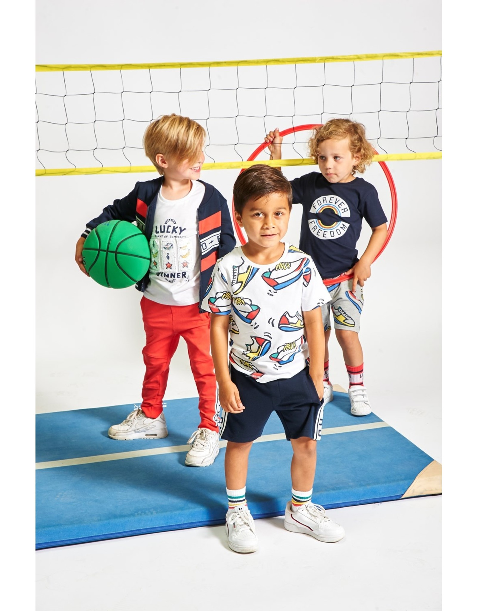 Sturdy T-shirt AOP Sneakers - Playground Wit
