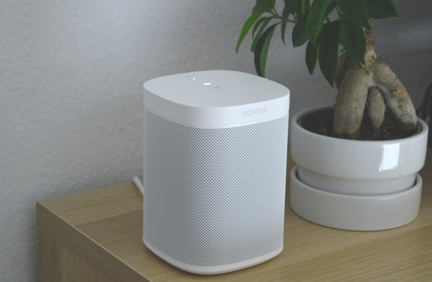 Google Nest Audio vs Sonos One