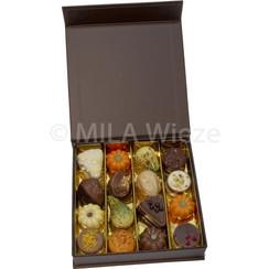 Luxe doos met 240 gr herfstpralines en versiering