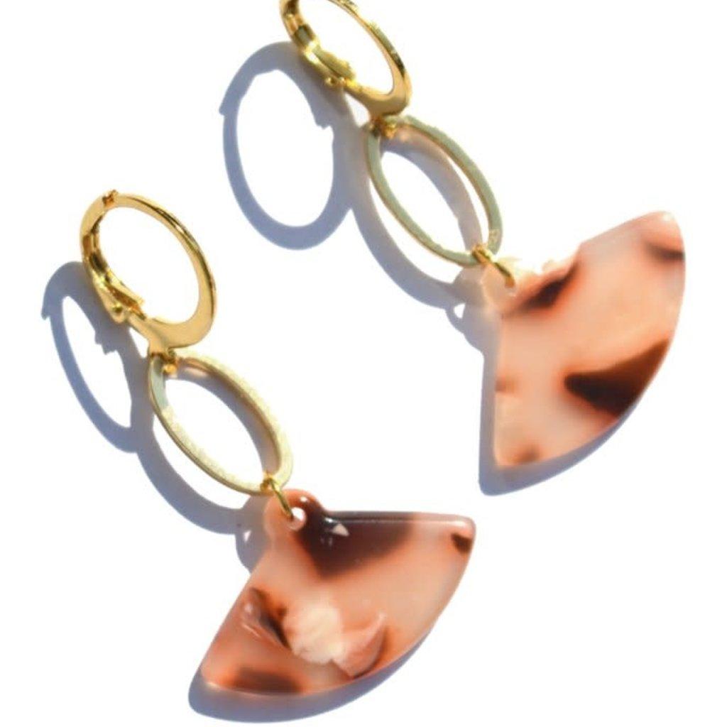 """BYBJOR oorbellen """"Fan""""- Earrings goud-edelstaal"""