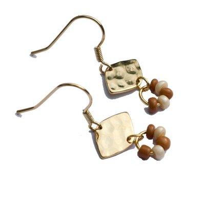 BYBJOR oorbellen Leave & Beads verguld