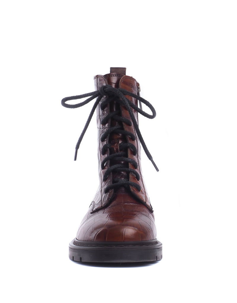 Carmens Boot Brit daily bruin