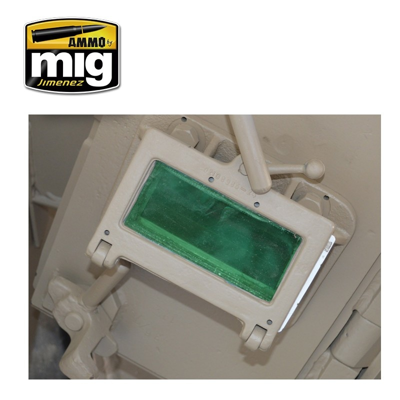 Ammo by Mig Jimenez Crystal Acrylics - Crystal Green Periscope (And Tail Light On) - 17ml - A.MIG-0096