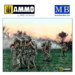 """""""Head for the """"Huey"""", Vietnam War series"""" - Scale 1/35 - Masterbox Ltd - MBLTD35107"""