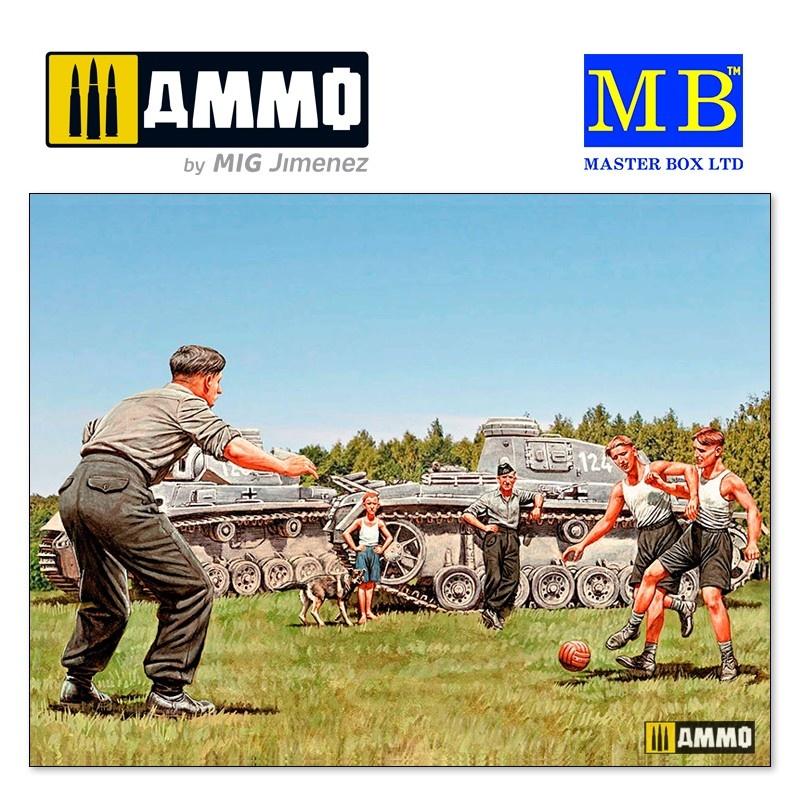 """Master Box Ltd German Tankers - A break between battles, WW II era"""" - Scale 1/35 - Masterbox Ltd - MBLTD35149"""
