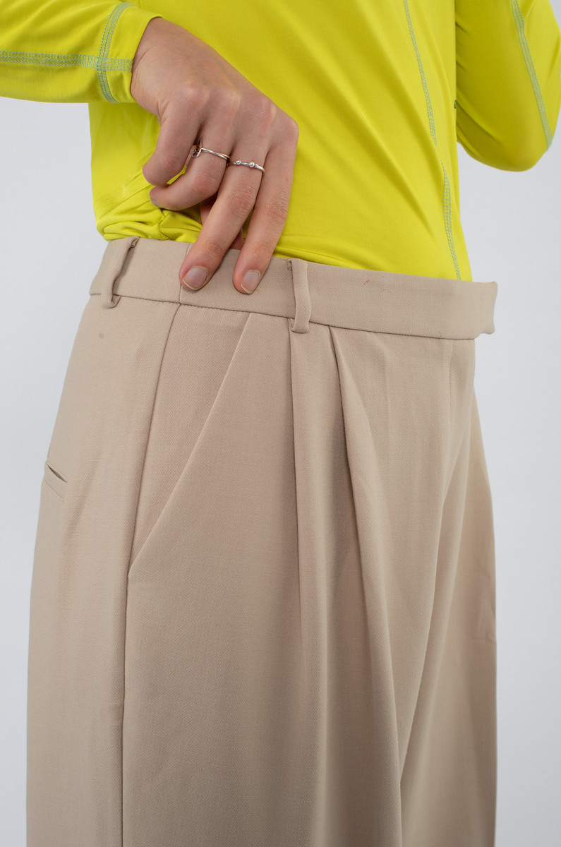 Another Label Another Label Moore Pleated Pants