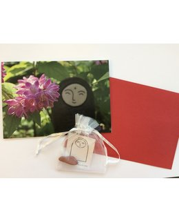2 Greetings cards + 2 small gemstones