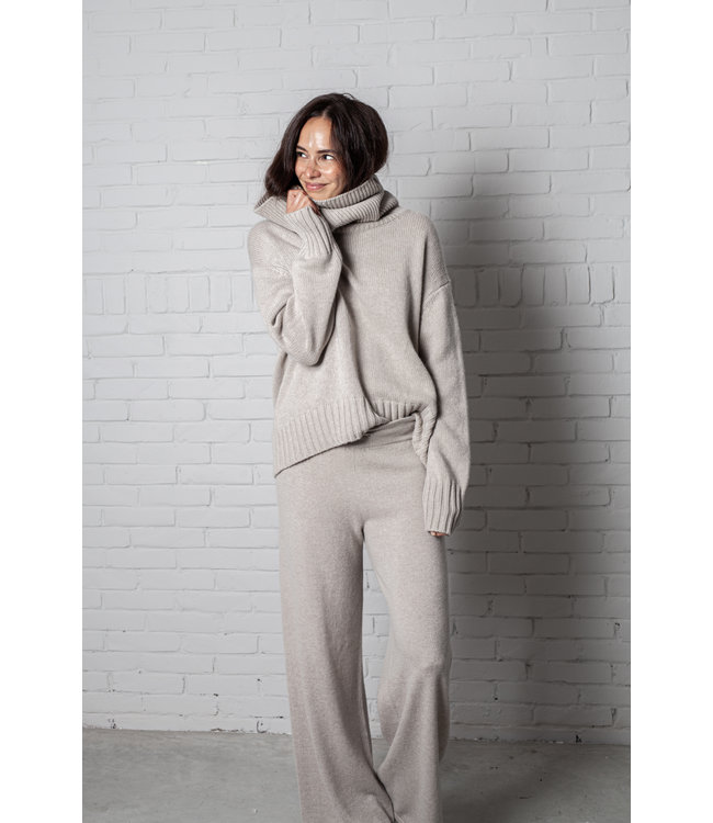 Lisa Yang Sweater Lucca sand.