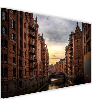 Schilderij Gracht tussen hoge huizen, 2 maten