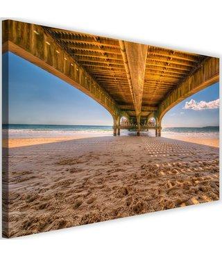 Schilderij Onder een brug op het strand, 2 maten