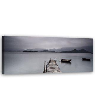 Schilderij Steiger met bootje, 12x40cm, zwart/wit/grijs