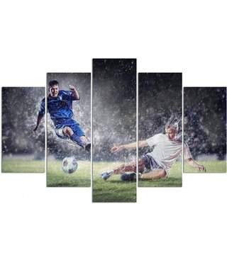 Schilderij Tackle in de regen , voetbal, XXL, 5 luik, 4 maten