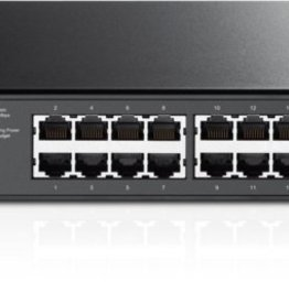 24-Port Gig Smart PoE Switch 4 SFP Slots (refurbished)