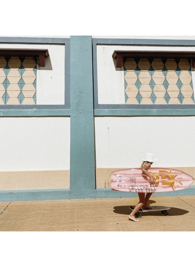 SUNNYLIFE Ride With Me Surfboard Float DESERT PALMS aufblasbar