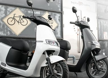 AGM E-scooters