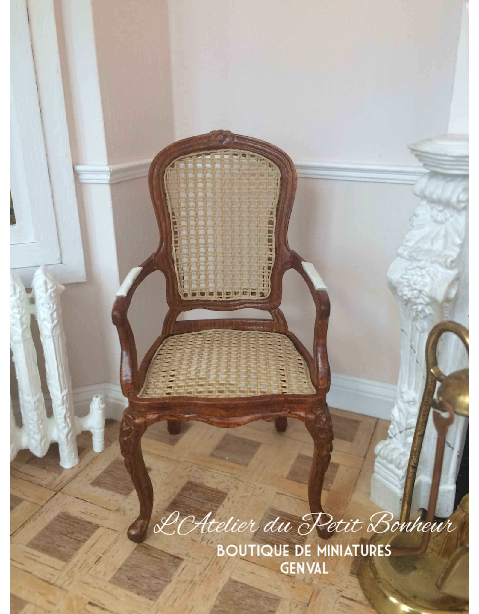 Chaise cannée Louis XV (accoudoirs)