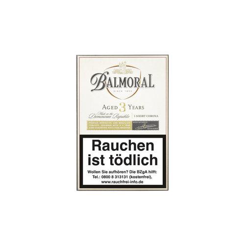 Balmoral Aged 3 Years  Schort Corona  Zigarren