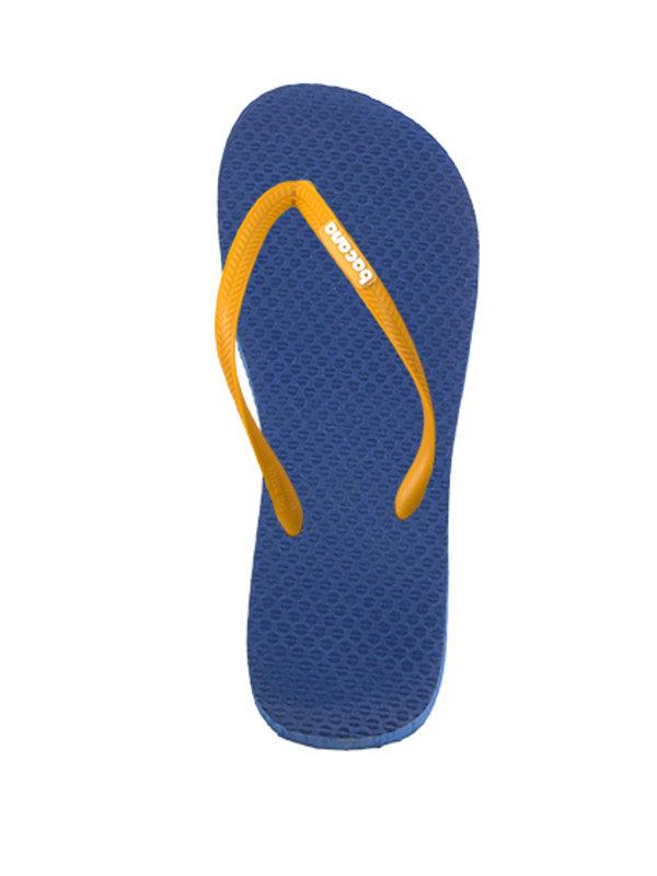 Donkerblauw met gele flipflops