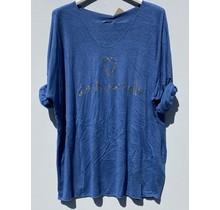 """Shirt """"la vie est belle"""" lichtblauw"""