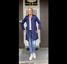trench coat  suedine  lisanne blauw