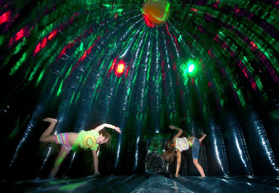 Springkasteel Huren | Disco Dome