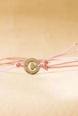 Initial armband pink met zilveren bedel