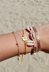 Initial armband orange met gouden bedel