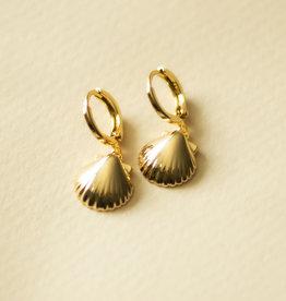 Schelpen oorbellen seashell goud