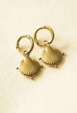 Schelpen oorbellen clam shell goud