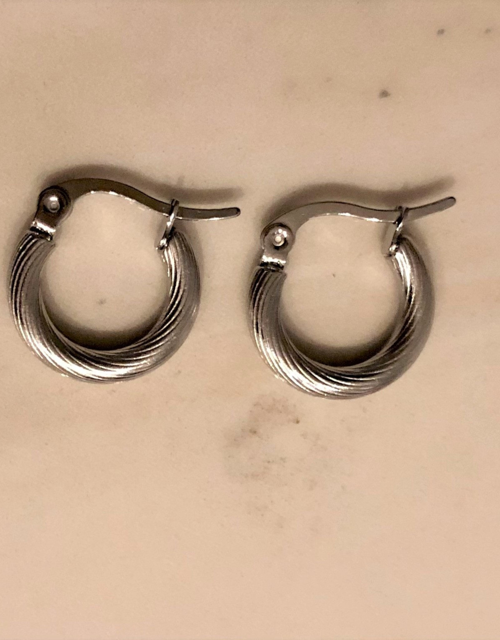 Twisted hoops oorbellen zilver