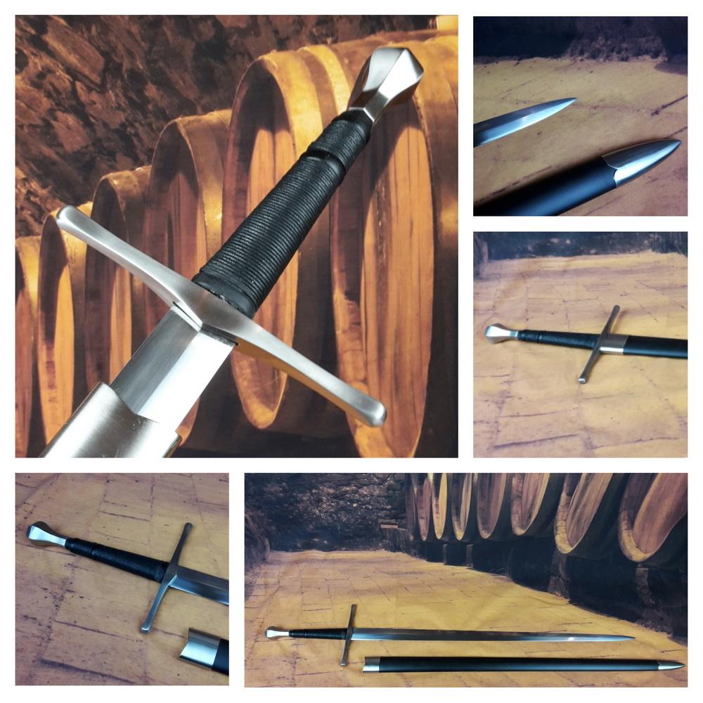 Battle ready scherp Middeleeuws zwaard