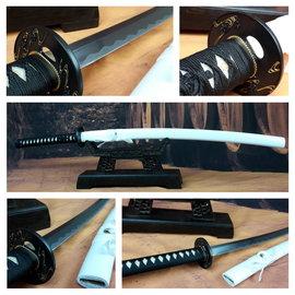 S katana samurai zwaard met witte saya