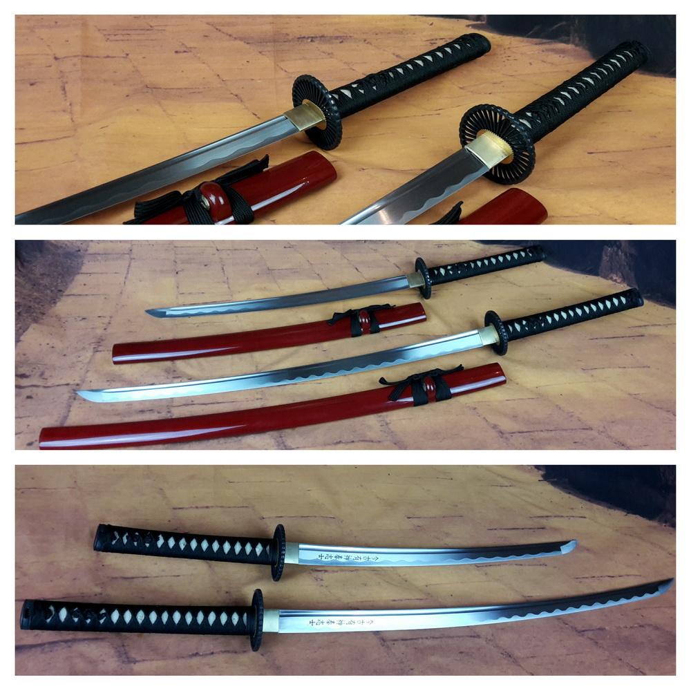 Samurai zwaarden set zwart wakizashi en katana met rode saya