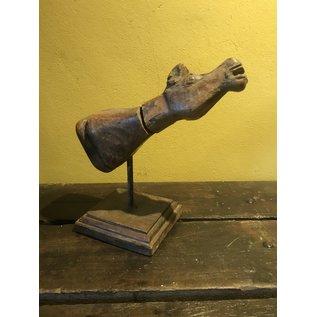 De Wonderkamer Wood carving (horse)