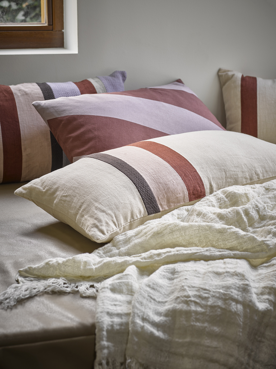 linen striped cushion A (70x35)-2