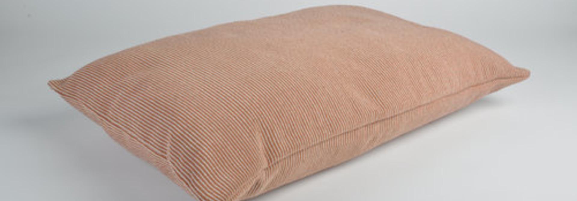 Snooze Kussen roze met beige strepen