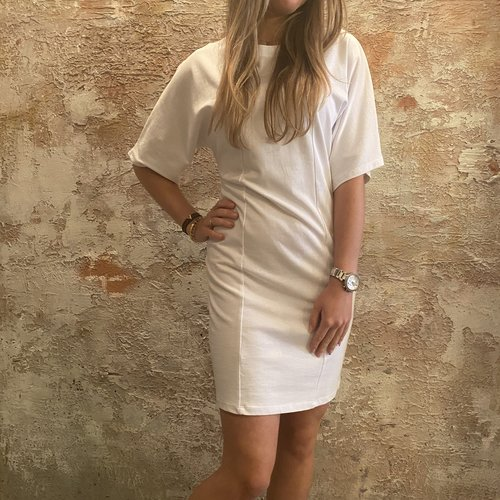 NAKD Fitted t-shirt dress wit