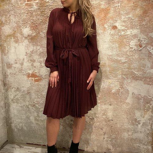 NAKD Tied waist dress burgundy