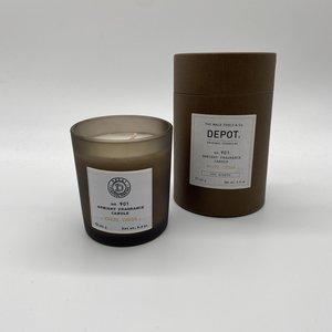 Depot Candle White Cedar