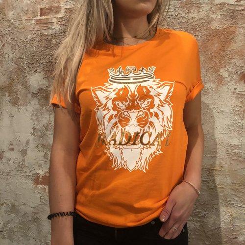 Radical Orange t-shirt Leeuw