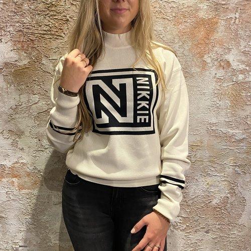 Nikkie Logo Patch Sweater Cream