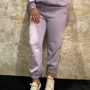 LA Sisters Essential Sweatpants Lilac