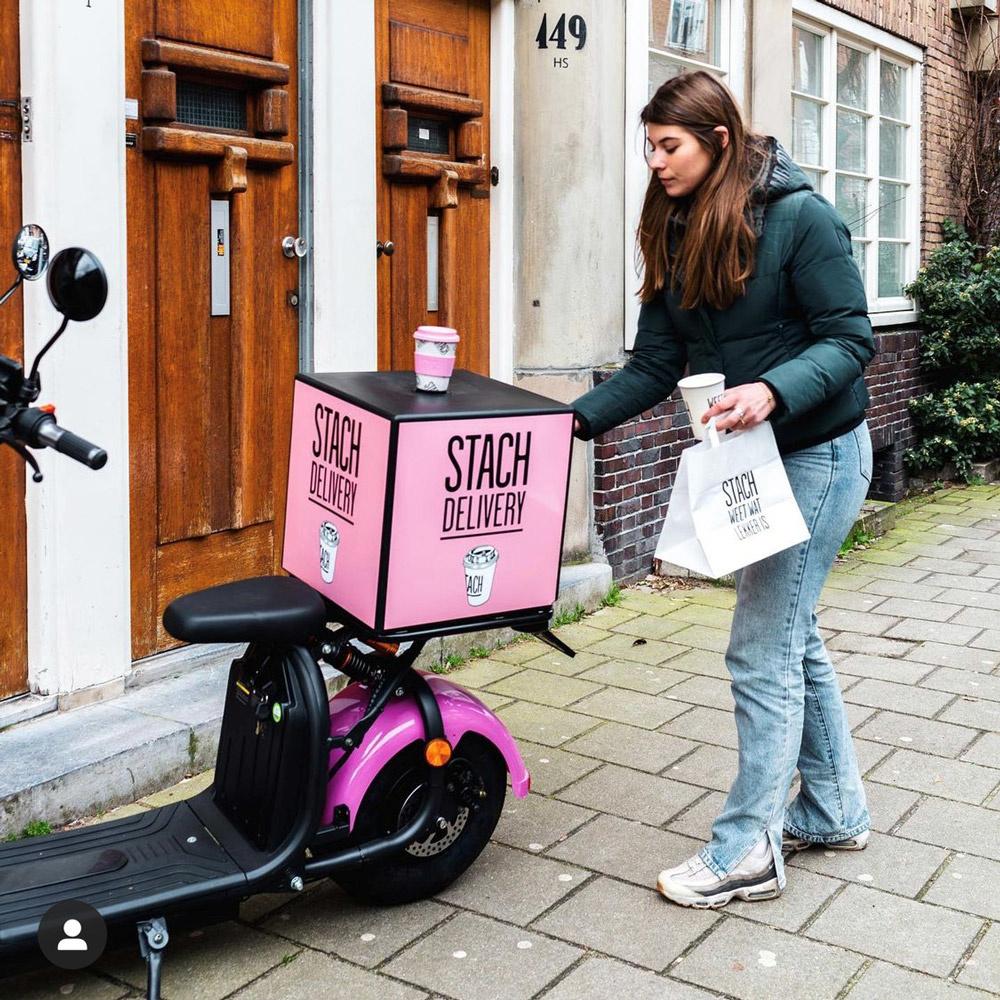 Elektrische maatwerk bezorgscooters STACH roze - E-Scooters van E-Riding