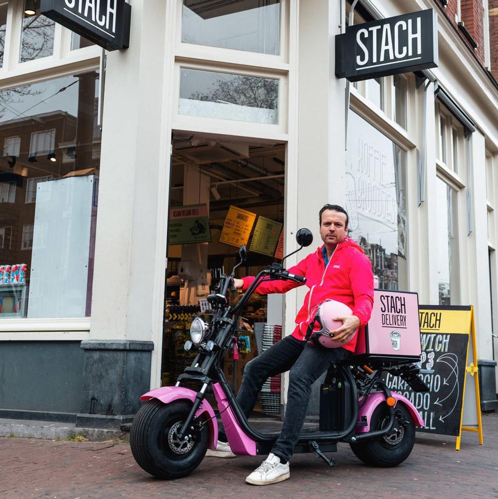 STACH e-scooters roze - Maatwerk elektrische bezorgscooters