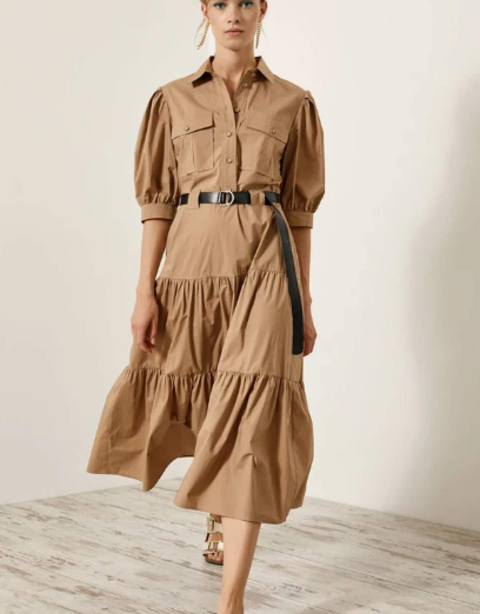 Dames Fashion Beige lange jurk met riem